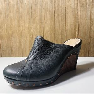 UGG leather wedge clogs/mules